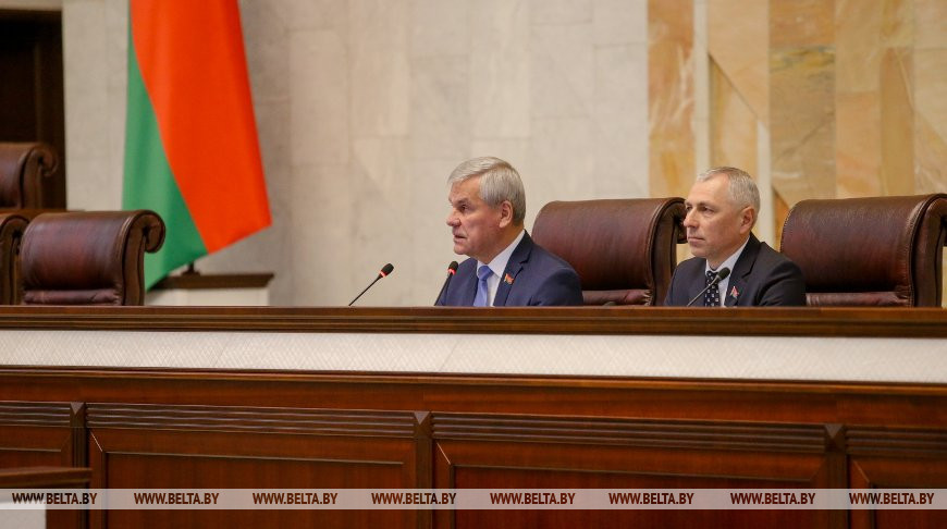 На весенней сессии депутатам предстоит назначить дату выборов Президента - Андрейченко