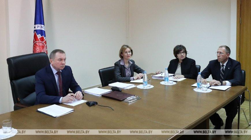 Владимир Макей во время заседания