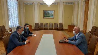 Во время встречи. Фото посольства Беларуси в Украине
