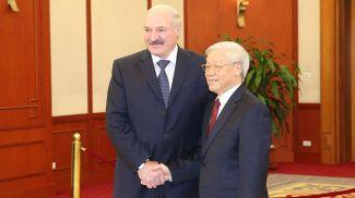 Александр Лукашенко и Нгуен Фу Чонг. Фото из архива