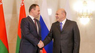 Роман Головченко и Михаил Мишустин. Фото из архива