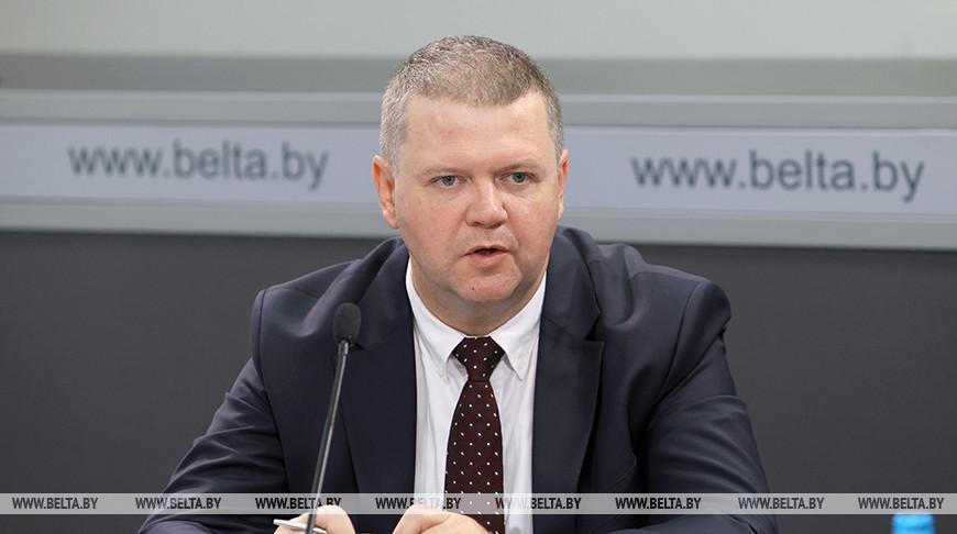 Уже на этом этапе заметно нарушение баланса во взаимоотношениях Беларуси и Запада - Макаров