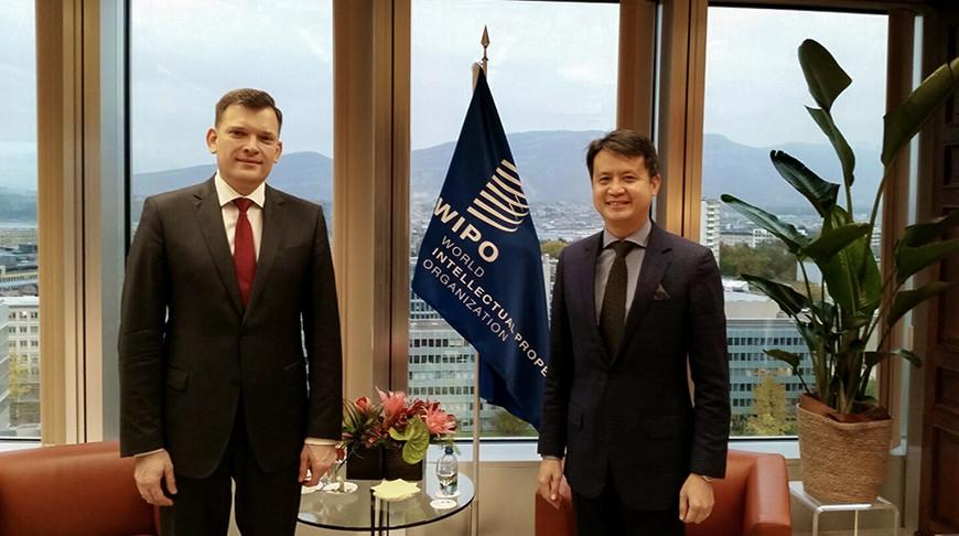 Юрий Амбразевич и Дарен Тан. Фото МИД
