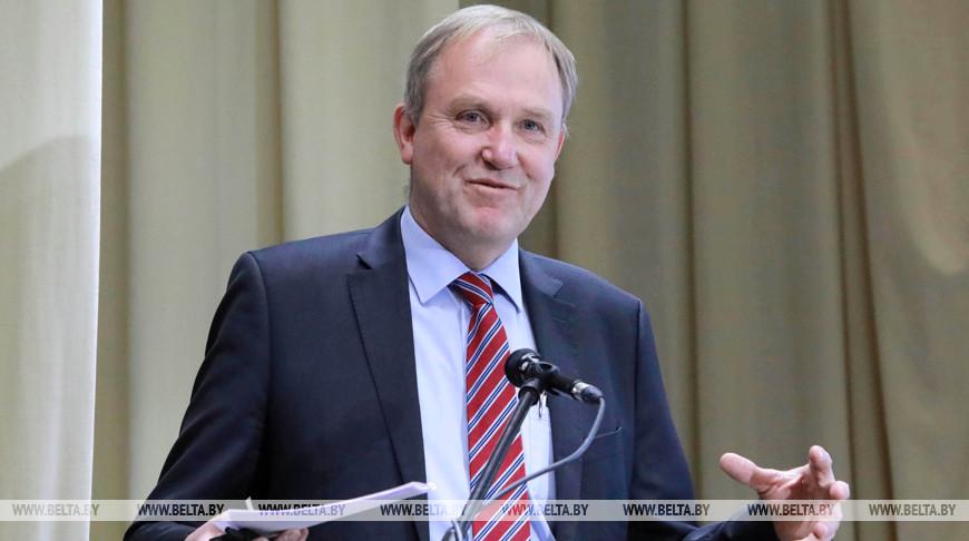 Глава делегации ЕС Беренд де Гроот