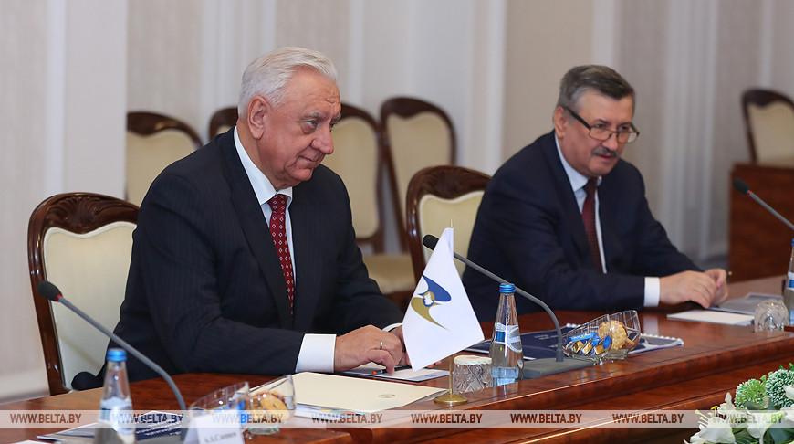 """Мясникович считает необходимым минимизировать """"разрывы"""" между решениями глав ЕАЭС и их выполнением"""