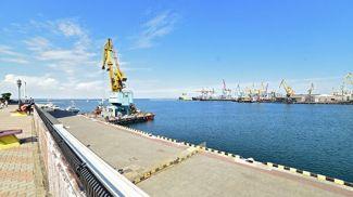 Акватория грузового порта в Одессе. Фото РИА Новости