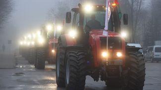 240 тракторов BELARUS отравились в Витебскую область