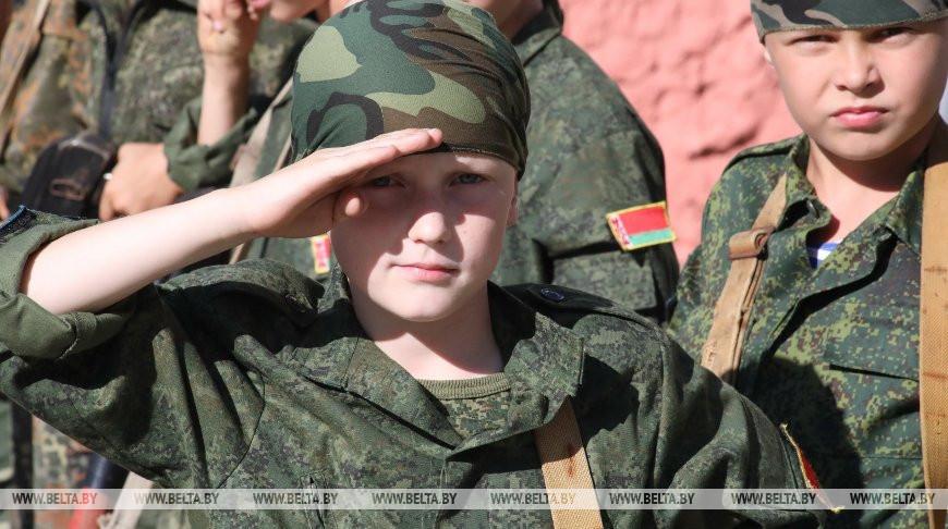 """Участник центра """"Скиф"""", юный парашютист Тимофей Нисловский. Фото из архива"""
