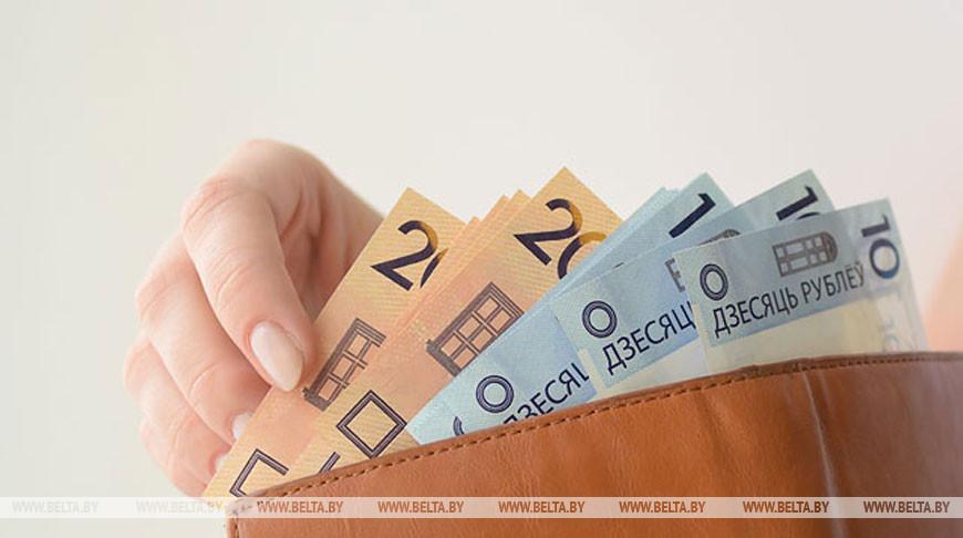 В Беларуси 37,5% работников получают зарплату выше Br1 тыс.