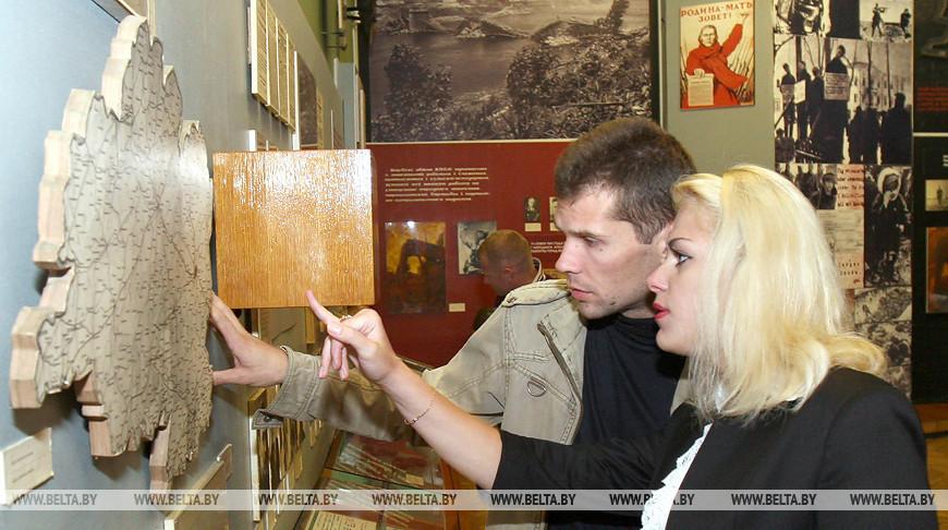 В музее М.Шмырева в Витебске. Фото из архива