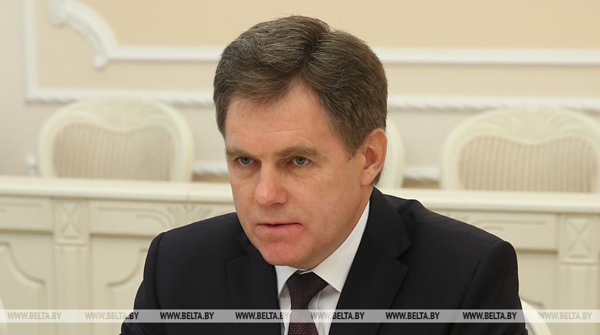 Детсады, питание и платные услуги - Петришенко поручил решить проблемы в образовании