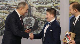 Игорь Сергеенко во время церемонии вручения паспортов