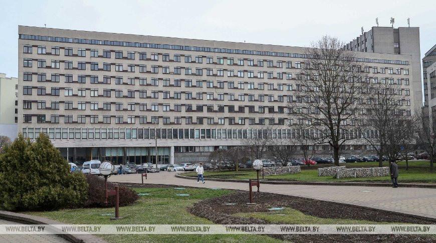 Минздрав аргументировал принимаемые в Беларуси меры против коронавируса