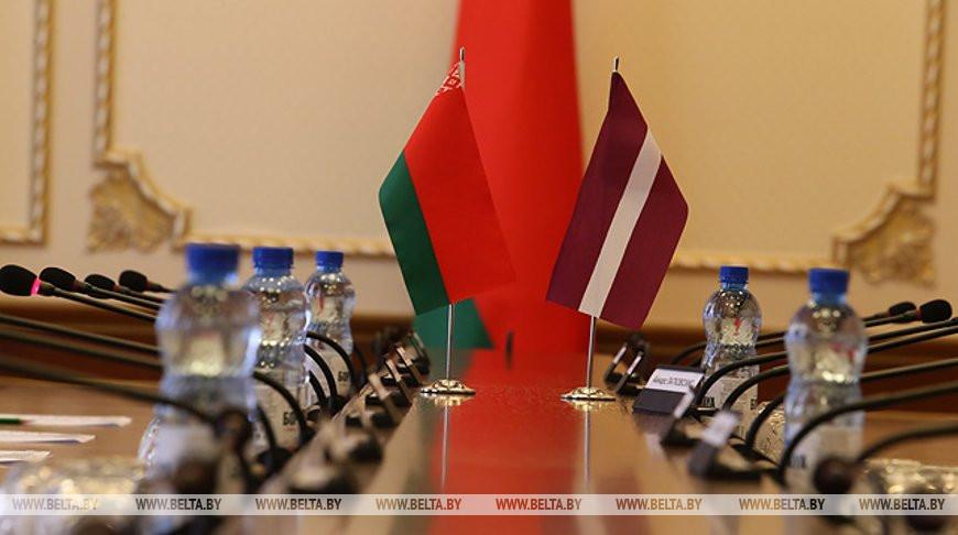 Посольство Беларуси в Латвии помогло вернуться домой более 100 белорусам