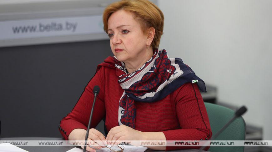 Ольга Мычко во время круглого стола
