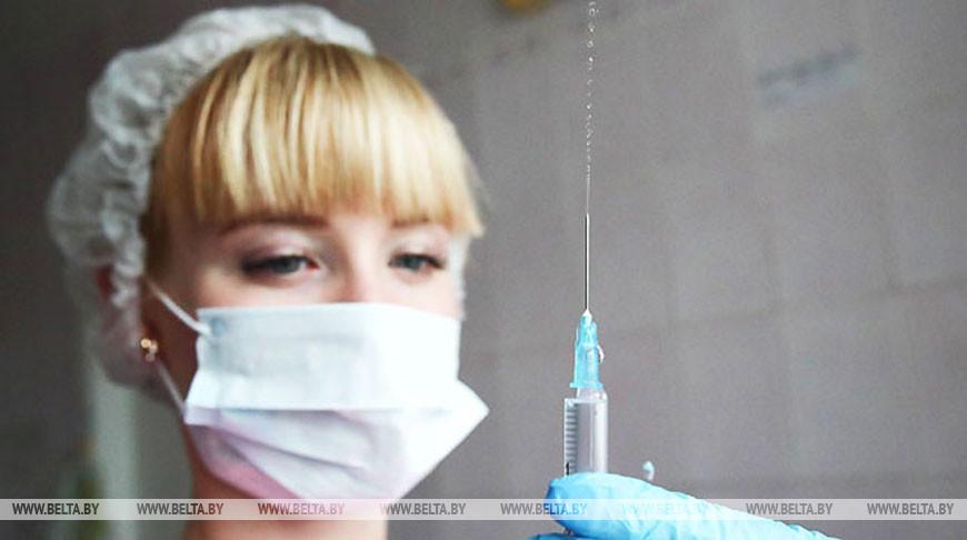 Минздрав принял решение ограничить плановую вакцинацию детского и взрослого населения