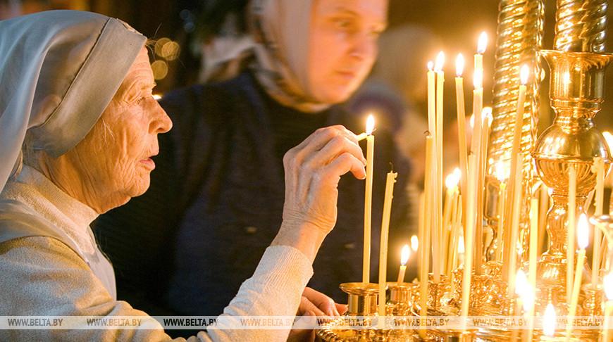 Православные и католики празднуют День Святой Троицы
