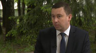 """Андрей Хмель. Скриншот видео """"Беларусь 1"""""""