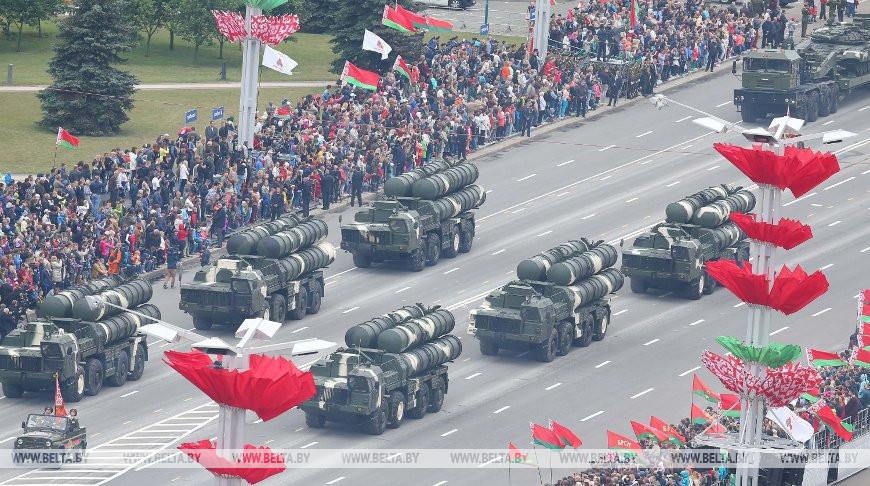 Парад войск в честь Дня Независимости в Минске, фото из архива