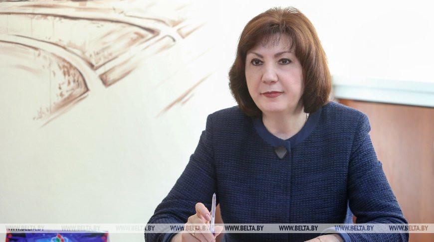 Наталья Кочанова во время приема граждан