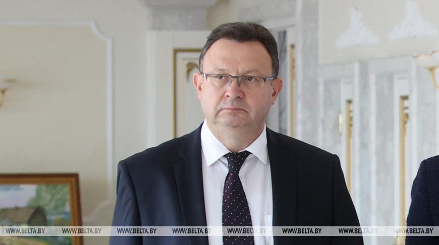 Обязанности министра здравоохранения Беларуси будет исполнять Дмитрий Пиневич.