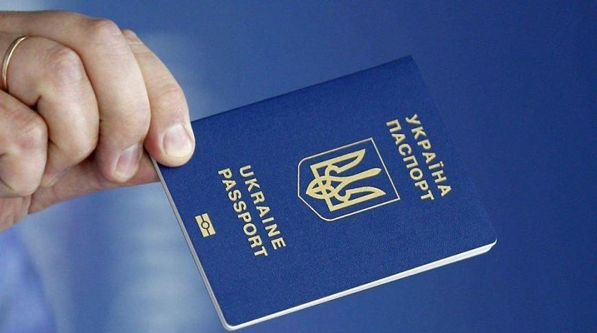 Граждане Украины с 1 сентября будут въезжать в Беларусь только по загранпаспорту