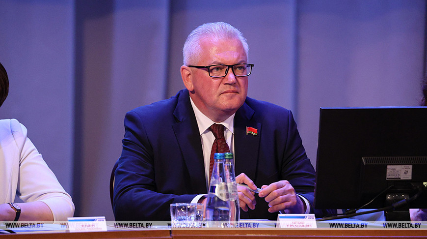 Игорь Карпенко