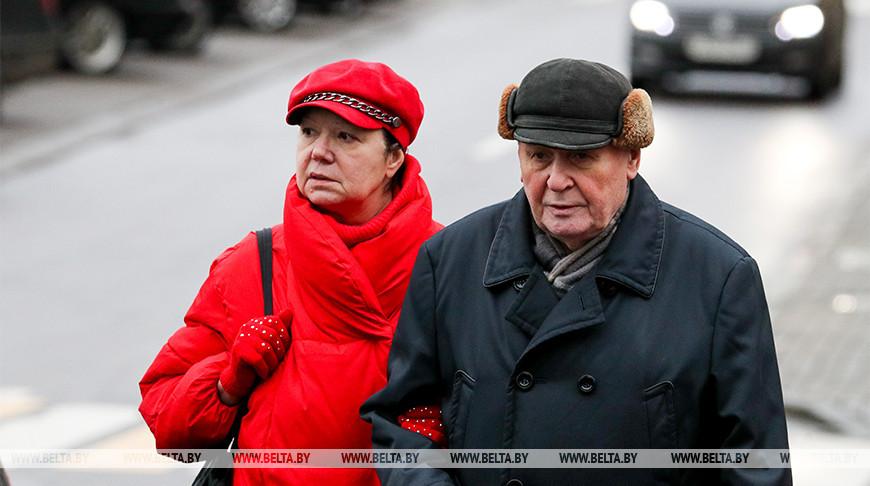 Продолжительность жизни женщин в Беларуси увеличилась до 78 лет, но показатель у мужчин сильно отстает – 64 года.