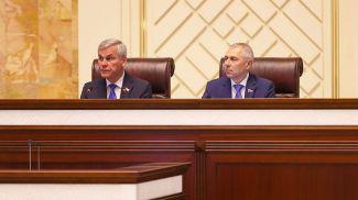 Председатель Палаты представителей Владимир Андрейченко и заместитель председателя Палаты представителей Валерий Мицкевич