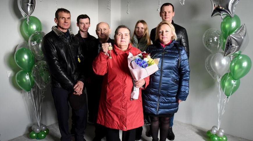 """Обычные покупки в магазине """"Евроопт"""" помогли Любови Хрол из Витебска выиграть квартиру в центре Минска!"""