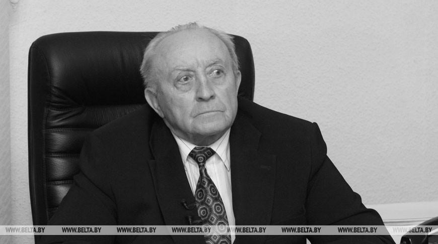 Вячеслав Кебич. Фото из архива
