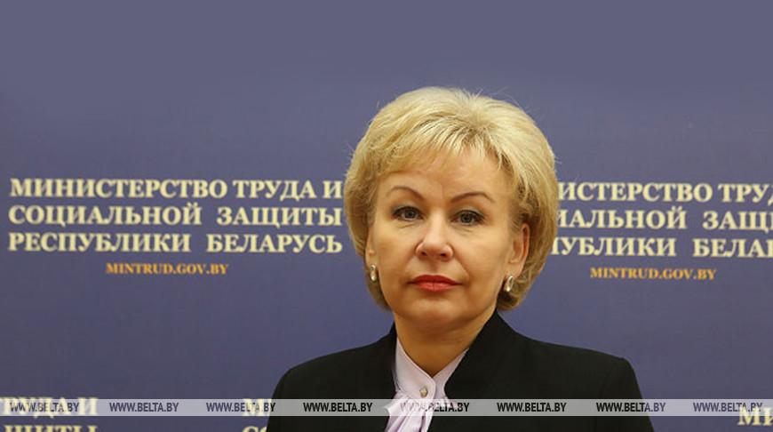 Декретный отпуск и семейный капитал - Костевич рассказала о планируемых изменениях