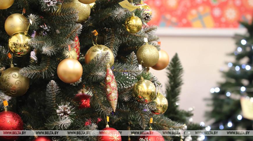 Пожилым людям следует воздержаться от приема гостей на праздники - геронтолог
