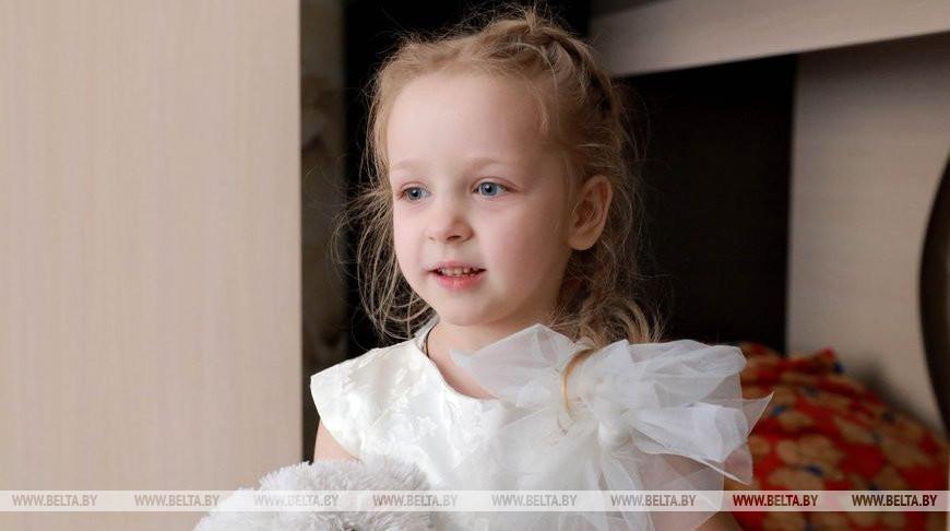Приемная дочка София Толок