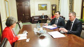 Во время встречи. Фото Миноблисполкома