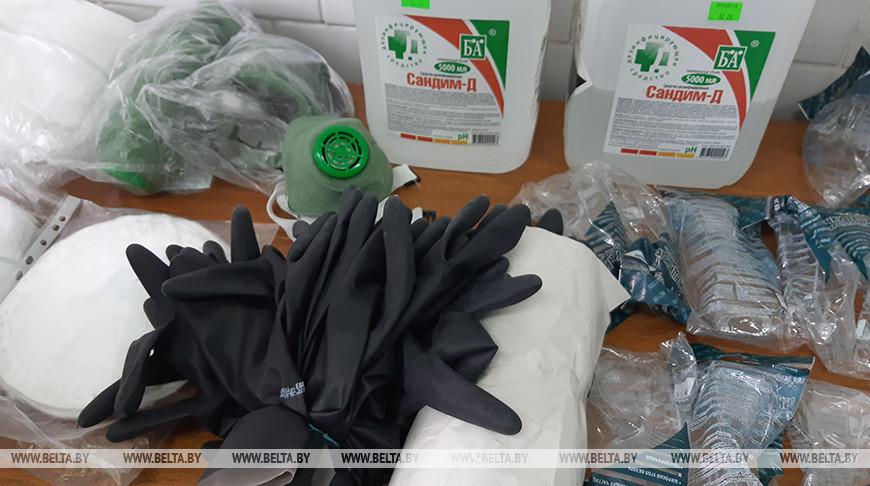 Профсоюз передал брестскому автопарку дезинфицирующие препараты и средства защиты