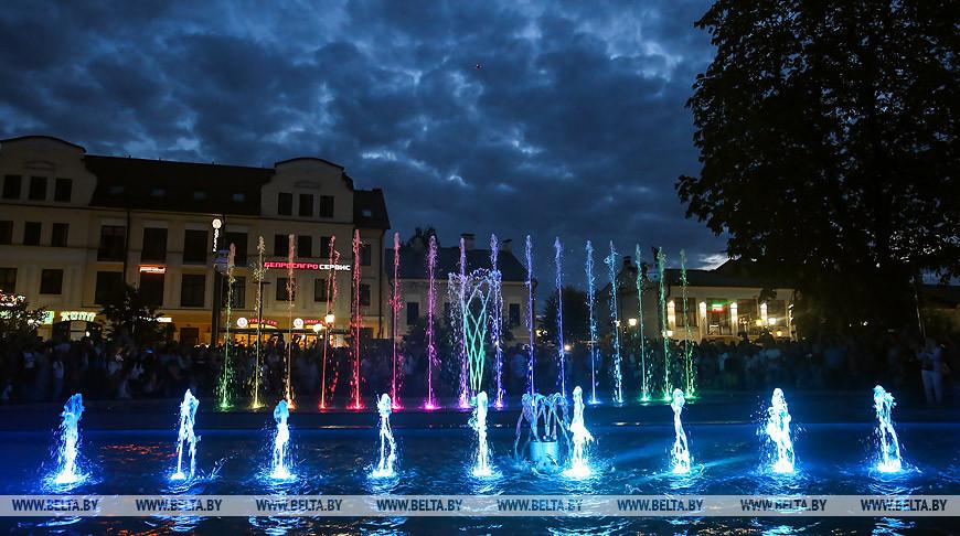 Цена на площадку возле светомузыкального фонтана в Бресте возросла на аукционе в 230 раз