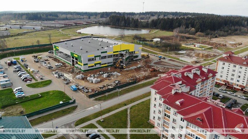 В Новогрудке к открытию готовят физкультурно-оздоровительный комплекс.