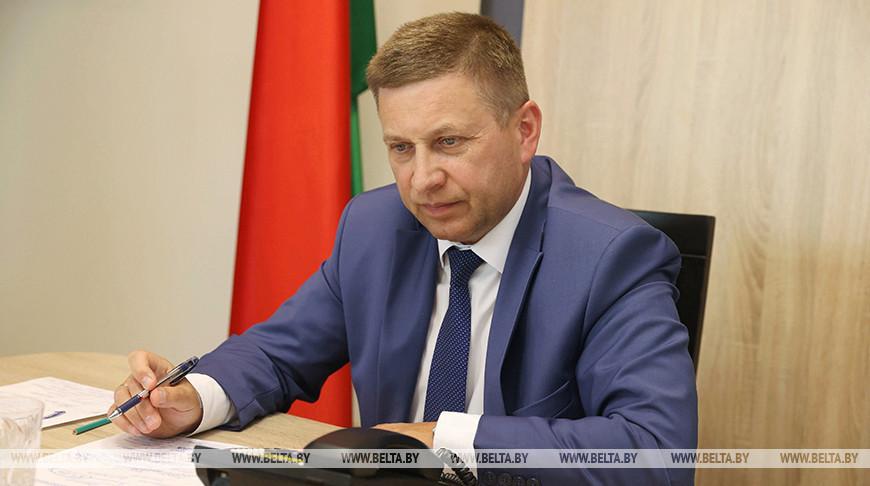 Жилье, дороги и благодарность за решенные проблемы — Лавринович провел прямую линию в Гродно