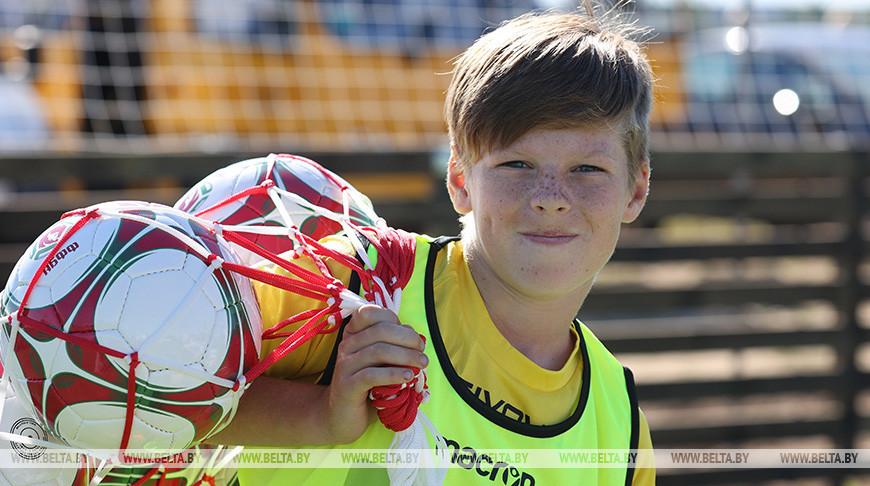 Юный футболист Егор Губарский