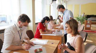 Во время голосования на избирательном участке №1 в Бресте