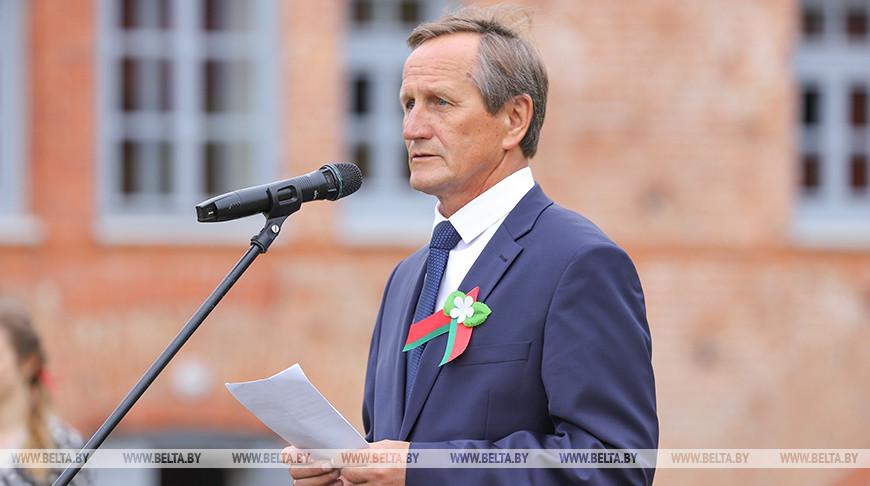 Голосую за то, чтобы мои дети и внуки жили в мирной стране - директор Брестской крепости-героя