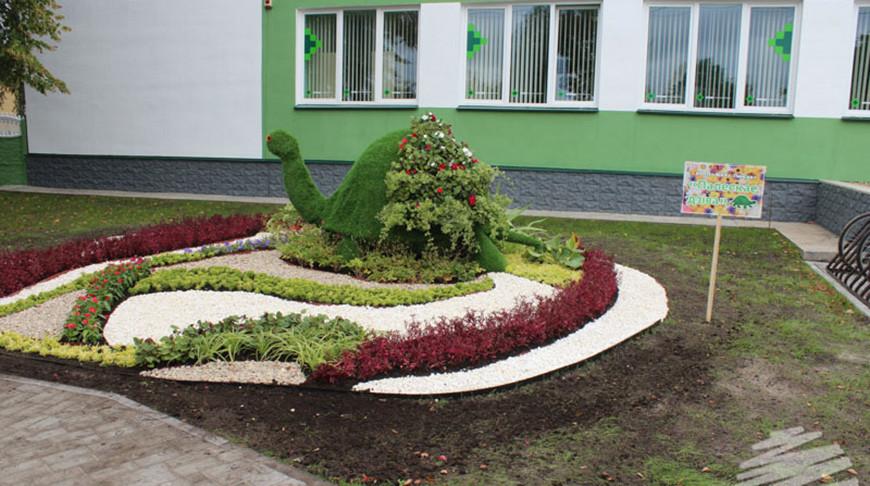 Лучшие зеленостроители Брестской области украсили агрогородок Дивин к 'Дажынкам'