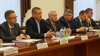 Во время встречи. Фото Могилевского облисполкома