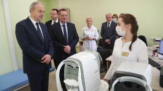 Игорь Сергеенко во время открытия поликлиники