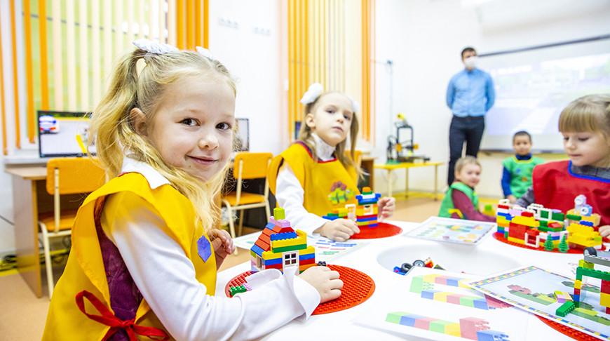 Детский сад с интерактивной стеной и STEM-центром открыли в Несвиже