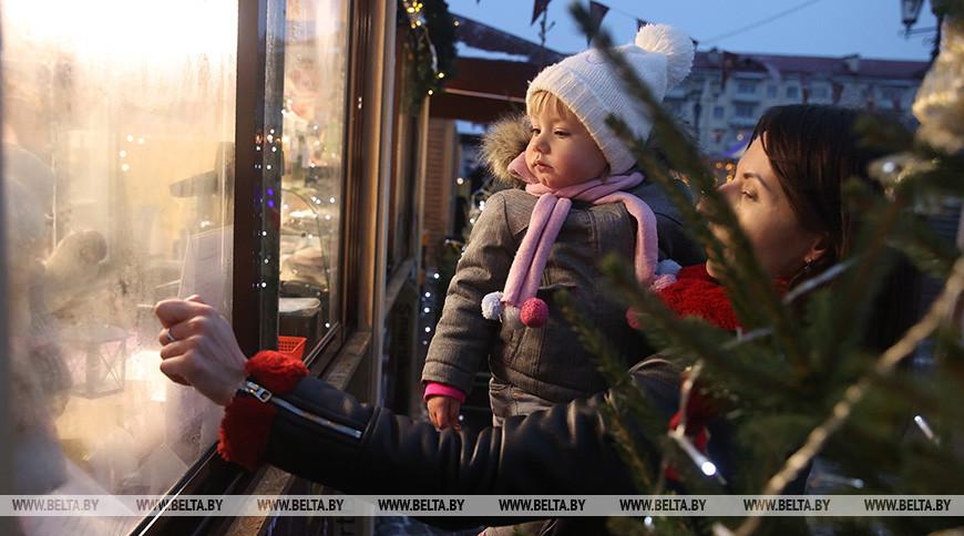 В Гродно на Советской площади работает новогодняя ярмарка