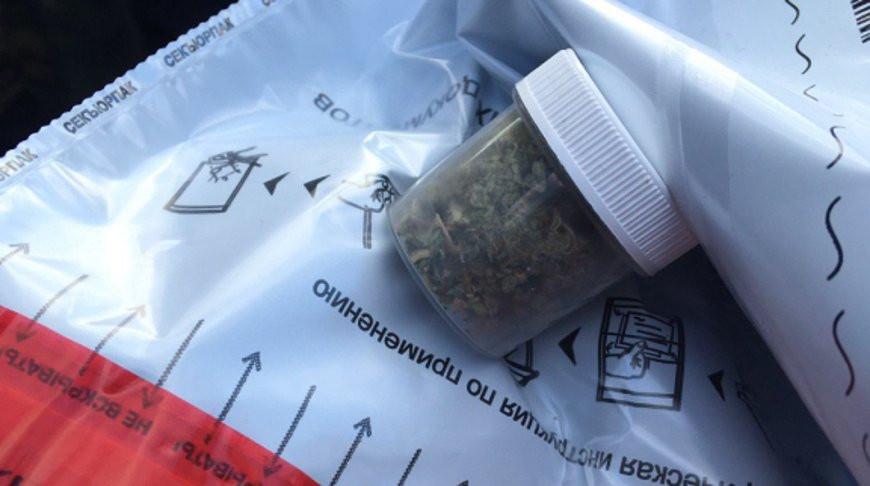 Двое парней задержаны за распространение наркотика в Бресте и Минском районе