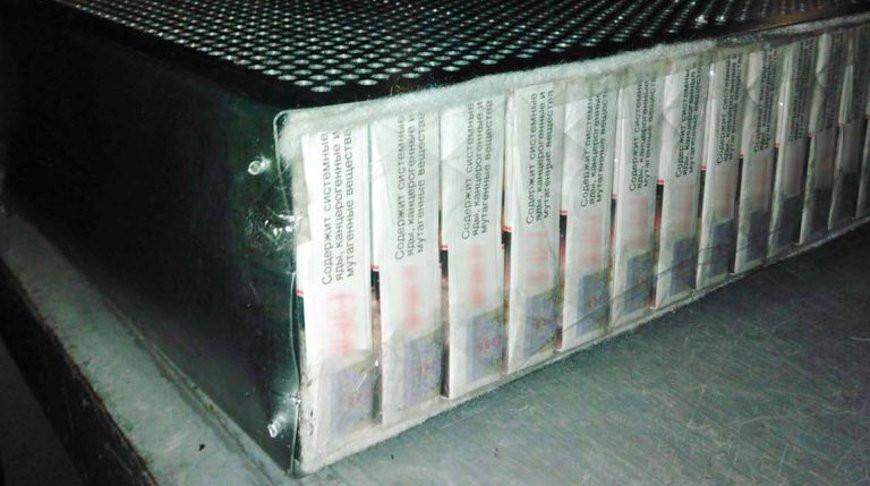 Гродненские таможенники нашли 535 тыс. пачек сигарет в корпусах осветительных приборов