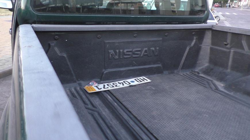 Дымовые шашки обнаружили в машинах в центре Бреста